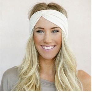 Other - 💚 Twisted Headband Brand New Hair Fashion